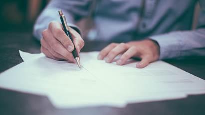 NIF,Numero de contribuinte,Testamento,Imposto sobre heranças,Residência,Imposto de selo,Escritura