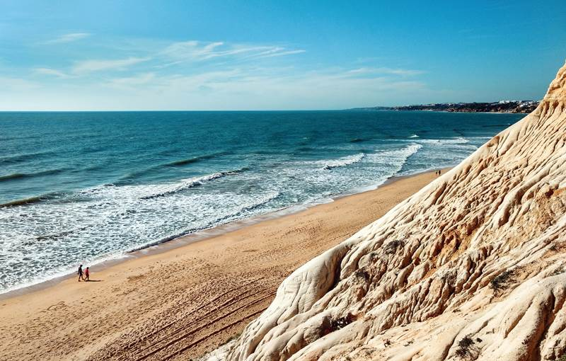 Le Portugal s'ajoute à la liste des voyageurs sûrs de Covide-19 au Royaume-Uni