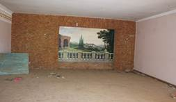 Investment opportunity – Spacious villa with pool for a renovation project on a large plot