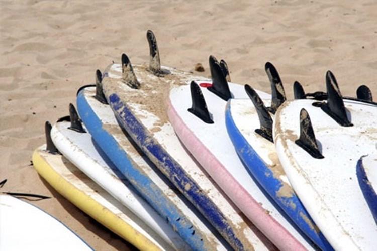 surfing algarve,lagos,praia da luz