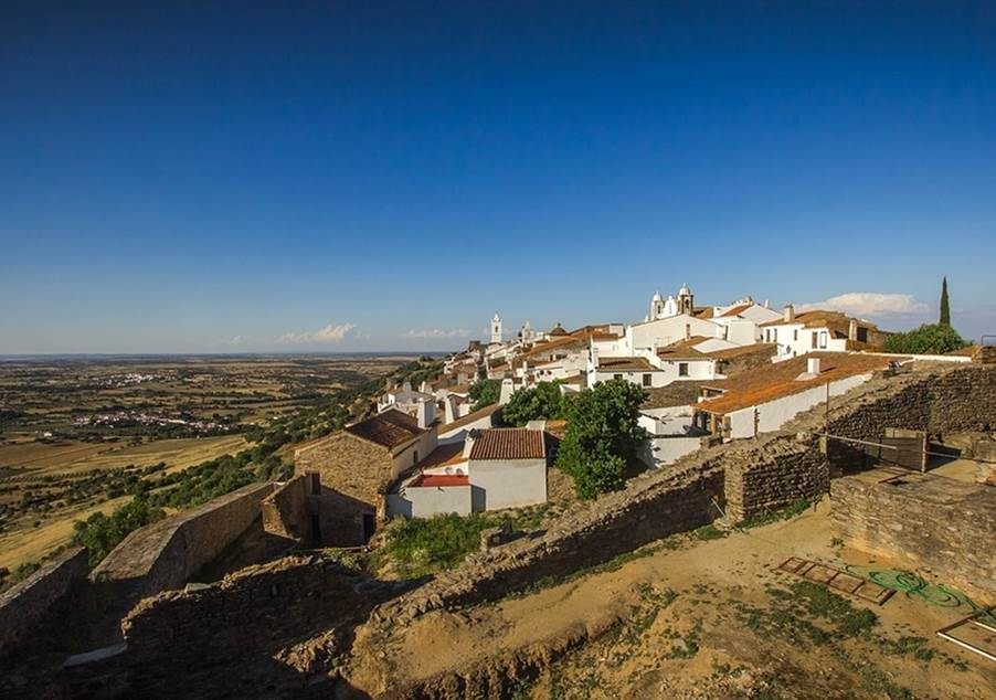 Alentejo - From the heat of the lowlands to the freshness of the mountains