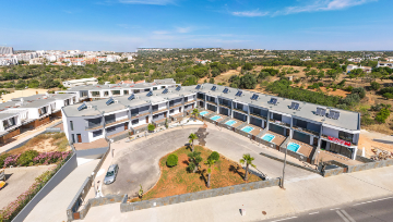 Property of the Month | Townhouses in Albufeira! ☀