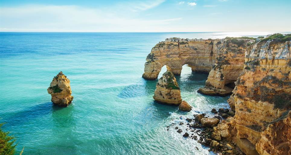 Reasons to choose algarve to live