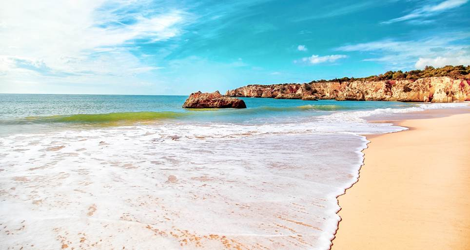 "Algarve nominated for ""Best Beach Destination of Europe 2019"""