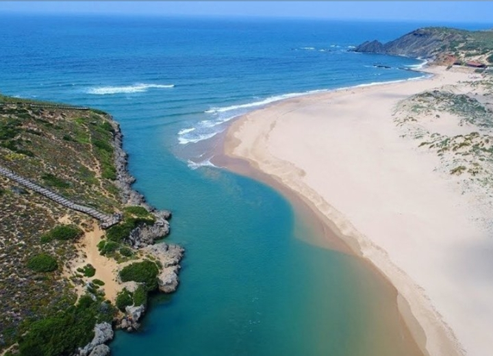 News > Explore the Algarve from West to East | Aljezur